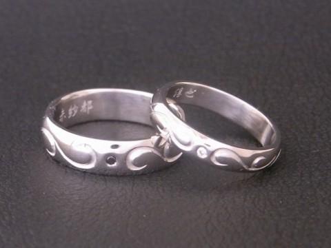 唐草模様のプラチナ結婚指輪!
