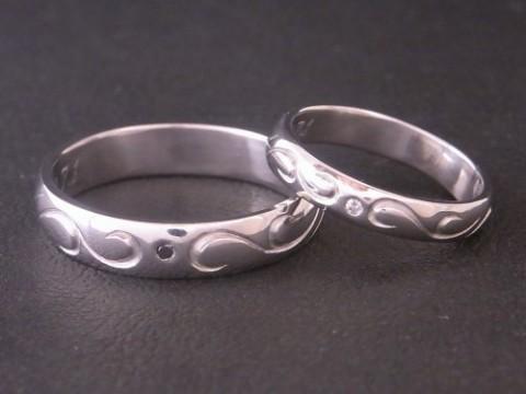 「永遠」を意味する唐草模様のプラチナ結婚指輪! pt900