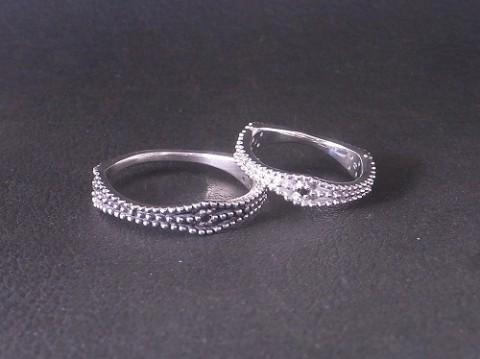 ブラックダイヤモンドをお付けしたミル打ちペアリング!