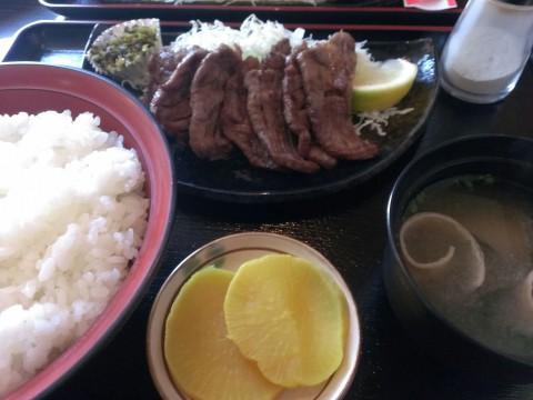 ぶたいちさんの牛タン定食