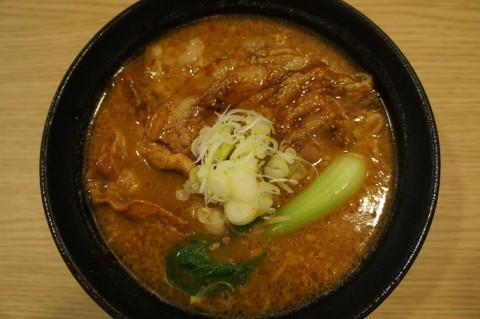 移転オープン! 麺屋 開高さんの十勝ホエー豚麺