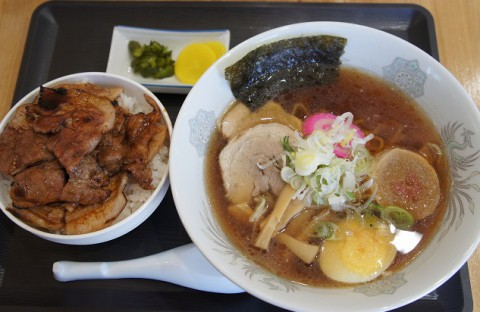 初訪~幕別町・豚吉さんのミニ豚丼&醤油ラーメンセット