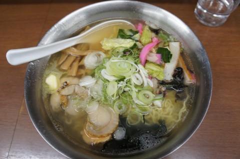 青森県鰺ヶ沢町・海鮮丼麺どんさんの帆立ラーメン