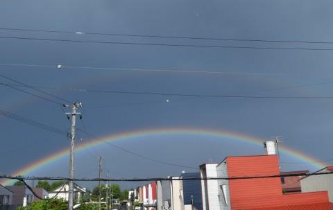 二重の虹(ダブルレインボウ)~♪