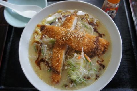 鶏の伊藤さんの鶏カツ白湯ラーメン
