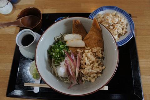 札幌市西区・手打蕎麦たぐとさんの冷やしたぬきつ