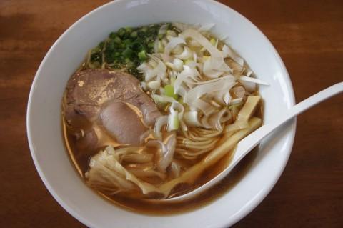 札幌市白石区・麺屋 菜々兵衛さんの名古屋コーチン醤油
