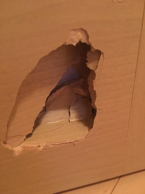補修屋さん ドアの陥没を直します
