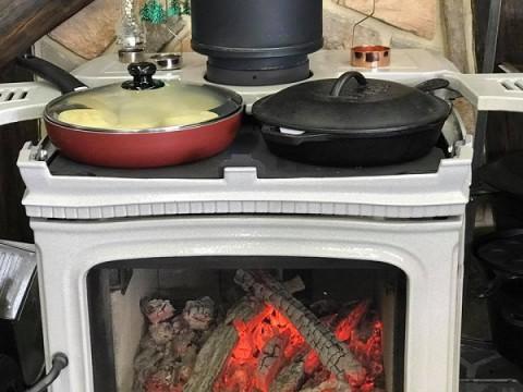 薪ストーブでパンが焼けた!