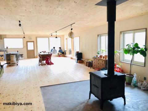 大きなお宅に 大きな薪ストーブがいよいよ搬入!