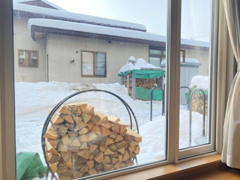薪ストーブ生活は常に薪、薪、薪
