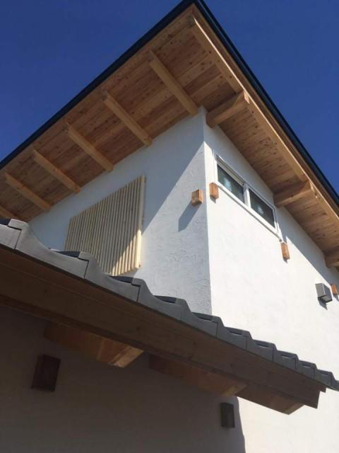 からまつ構造材を使った伝統工法が公開