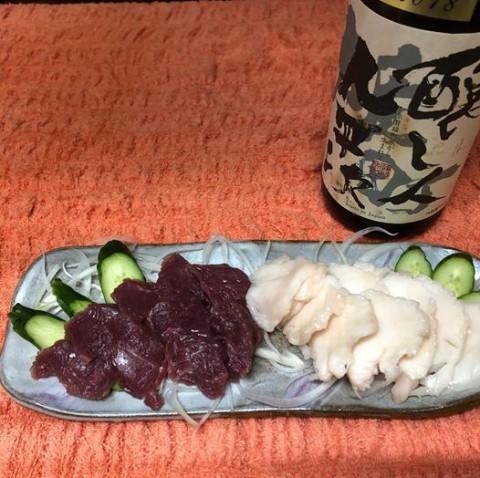 【昼酒 夜酒】馬刺しが大好評です 赤身の食べ比べも面白い