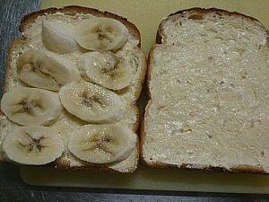 今日のレシピ―甘~い♪バナナサンドイッチ