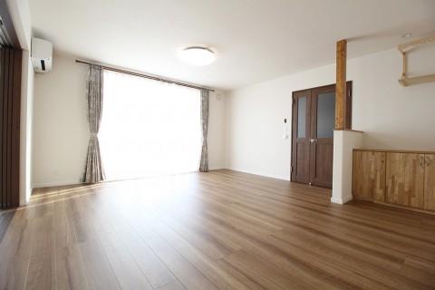 【新築施工例】中2階を事務所とした落ち着きのある雰囲気の併用住宅