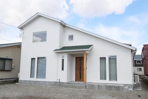 【新築施工例】異なるインテリアテイストの共有型2世帯住宅