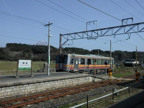 登った山をバックに列車を見るツアー、伊吹山編