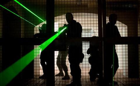 США ищет лазеры для истребителей