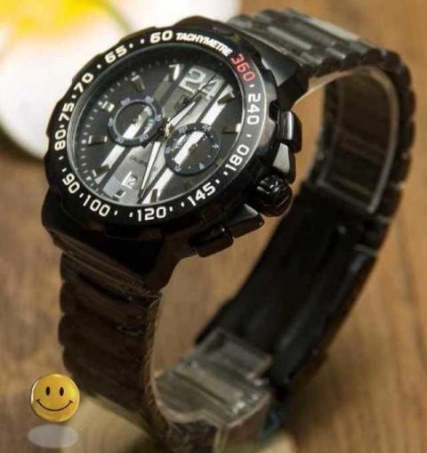 大人なスタイルにもカジュアルにもほどよくタグホイヤー コピー腕時計