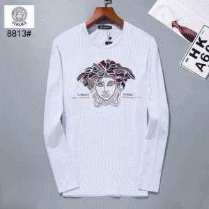 上質なコットン素材がポイントのヴェルサーチ 偽物 Tシャツ