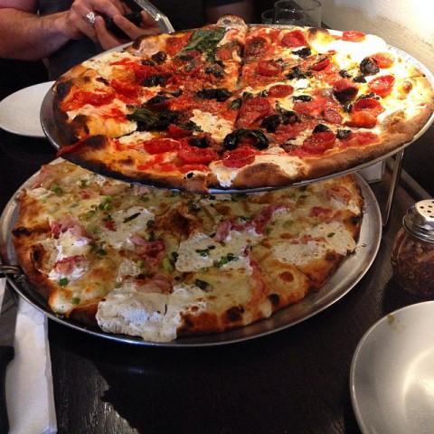 美味しい 高級カルビーピザ