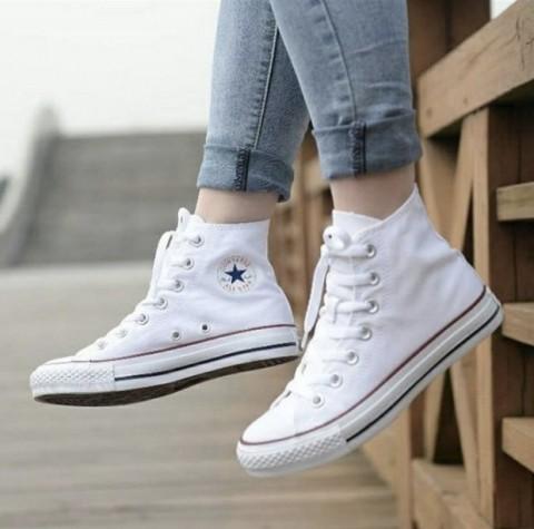 Converse高筒帆布鞋一周穿搭,隨性又帥氣