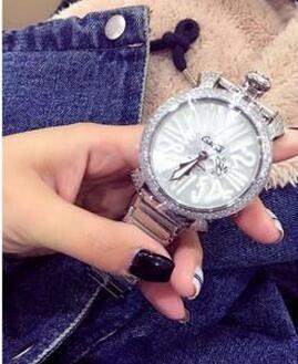 カジュアルに活用できる GaGa MILANO ガガミラノ  腕時計 2016.