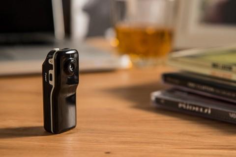 ワイヤレス隠しカメラとスパイビデオレコーダー